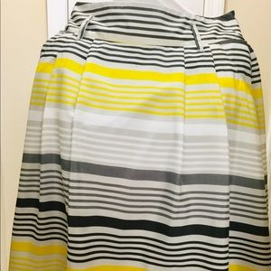 Fully lined skirt size large